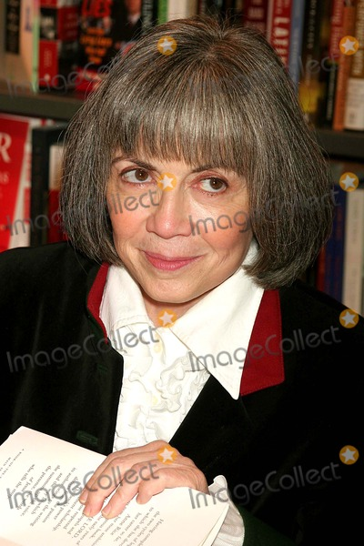 Ann Rice Photo - Anne Rice Signing Christ the Lord at Posmans Bookstore at Grand Central Station in New York City on 11-01-2005 Photo by Henry McgeeGlobe Photos Inc 2005
