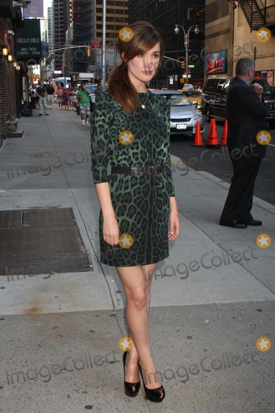 Photos From Rose Byrne and Rachel Maddow Appearance on 'Late Show with David Letterman'-new York