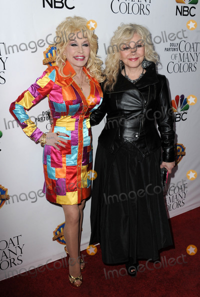 Photo - Dolly Partons Coat of Many Colors premiere