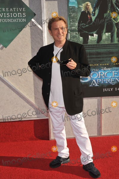 Andy Summers Photo - Andy Summers of The Police at a benefit screening for The Sorcerers Apprentice at Walt Disney StudiosJuly 12 2010  Burbank CAPicture Paul Smith  Featureflash