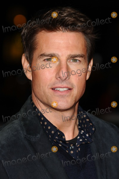 Photo - Tom Cruise arrives for the Jack Reacher premiere at the Odeon Leicester Square London 10122012 Picture by Steve Vas  Featureflash