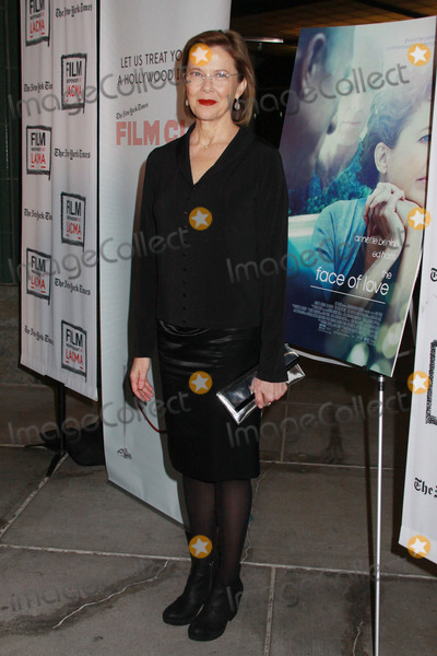 Photo - The Face of Love Premiere