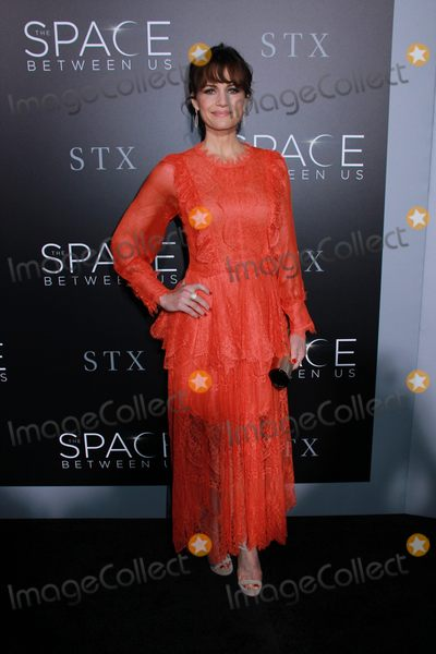 Photo - The Los Angeles Premiere of The Space Between Us