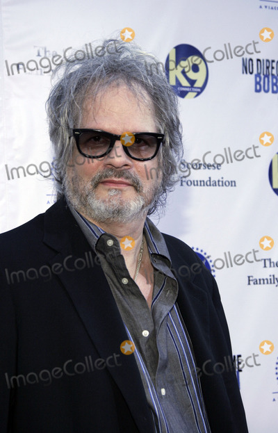 Al Kooper Photo - Guitarist Al Kooper arrives to the premiere of Martin Scorseses new movie No Direction Home Bob Dylan at the Ziegfield theater 2005 in New York City