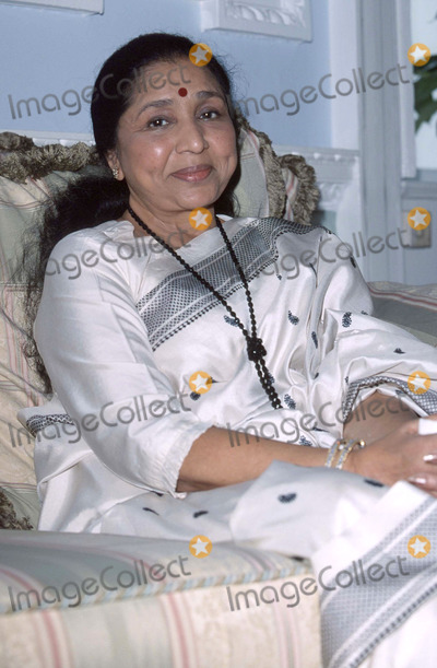 Asha Bhosle Photo - LondonAsha Bhosle11th September 2000Picture by Trevor MooreLandmark Media