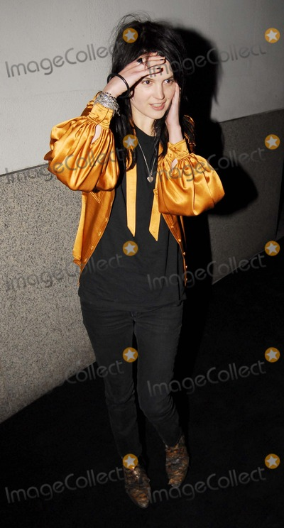 Alison VV Mosshart Photo - LondonUK Alison VV Mosshart of rock band The Kills  at Matthew Williamsons Ten Years in Fashion  Party held at the Design Museum London 16th October 2007Steve McGarryLandmark Media