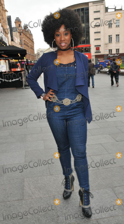 Scarlette Douglas,112 Photo - Smurfs The Lost Village Gala film screening