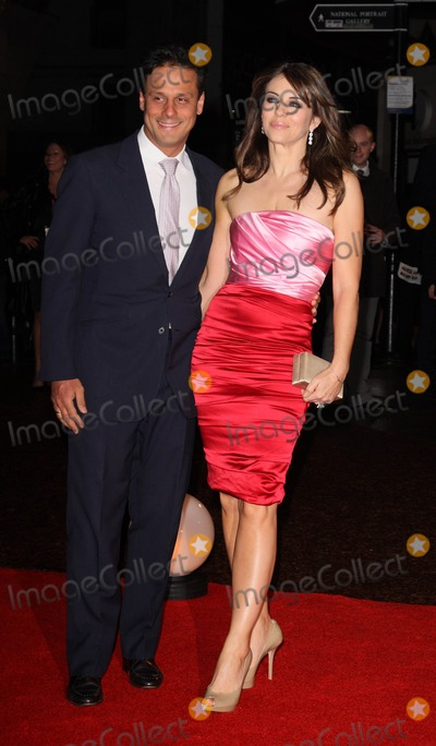 Arun Nayer Photo - London UK  Arun Nayer and Elizabeth Hurley   at the premiere of Did You Hear About The Morgans  at the Odeon cinema Leicester Square London8th  December 2009 Ref   Keith MayhewLandmark Media