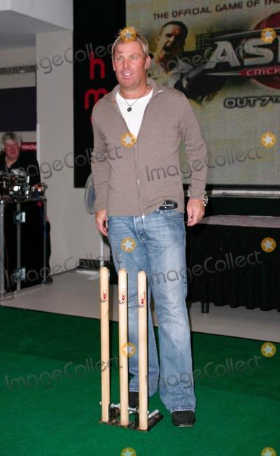 Oxford Circus Photo - London UK Shane Warne at HMV Oxford Circus promoting a new X-Box game The Ashes Cricket 2009  London 28th July 2009Rafe CookLandmark Media