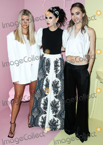 Alice  Olivia Photo - MANHATTAN NEW YORK CITY NEW YORK USA - SEPTEMBER 09 Sofia Richie Stacey Bendet and Suki Waterhouse arrive at alice  olivia By Stacey Bendet during New York Fashion Week The Shows held at ROOT Studios on September 9 2019 in Manhattan New York City New York United States (Photo by Xavier CollinImage Press Agency)