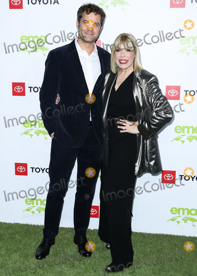 Debbie Levin Photo - PACIFIC PALISADES LOS ANGELES CALIFORNIA USA - SEPTEMBER 28 Joshua Jackson and Debbie Levin arrive at the 2nd Annual Environmental Media Association Honors Benefit Gala held at a Private Residence on September 28 2019 in Pacific Palisades Los Angeles California United States (Photo by Xavier CollinImage Press Agency)