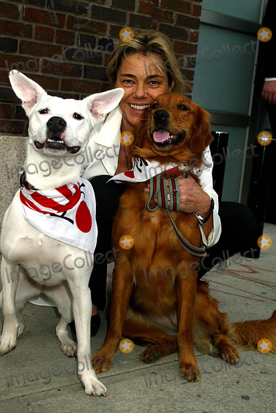 Nadine Johnson Photo - Sd0521 Canine Cocktail Party to Benefit Art For Animals Gagosian Gallerynew York City Photosonia Moskowitz  Globe Photos Inc2003 Nadine Johnson and Her Dogs