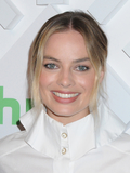 Margot Robbie Photo - Margot Robbie at the 2019 Hulu Upfront Brunch Red Carpet at Scarpetta in The James New York in New York New York USA 01 May 2019