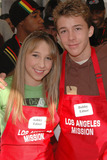 Ashley Edner Photo - Ashley Edner and Bobby Edner at the Thanksgiving Meal for the Homeless at the Los Angeles Mission Los Angeles CA 11-24-04