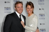 Nikki Cox Photo - Jay Mohr and Nikki Cox at the 35th Annual Peoples Choice Awards Shrine Auditorium Los Angeles CA 01-07-09