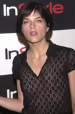 Selma Blair Photo -  SELMA BLAIR at the InStyle Magazines exhibition of avante-garde artist Bryten Goss work Quixote Studios West Hollywood 06-28-01