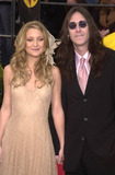 Kate Hudson Photo -  Kate Hudson and Chris Robinson at the 7th Annual Screen Actors Guild Awards held at the Shrine Auditorium Los Angeles 03-11-01