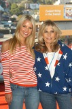 Nancy Sinatra Photo - Jessica Simpson and Nancy Sinatra at the USOs Salute The Troops free concert for service members Hollywood and Highland CA 05-10-03