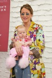 Hot Moms Club Photo - Joely Fisher and daughterthe Hot Moms Club Book Launch Party Nanas Garden Los Angeles CA 04-29-06