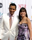 Adrian Bellani Photo - Jon Secada and wifeALMA Awards 2006Shrine AuditoriumLos Angeles CAMay 7 2006
