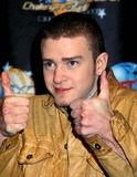 NSYNC Photo - Sd0318 Nsync Unveil a T-shirt For Charity at Planet Hollywood in New York City Justine Timberlake Photo Byhenry McgeeGlobe Photos Inc