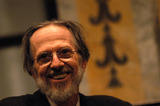 Robert Crumb Photo - NEW YORK APRIL 14 2005    Robert Crumb at Welcome to Crumbland a conversation with cartoonist Robert Crumb held at the New York Public Library