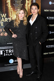Jake T Austin Photo - Abigail Breslin and Jake T Austin arriving at the New Years Eve premiere at the Ziegfeld Theatre on December 7 2011 in New York City