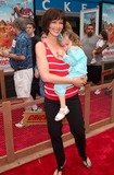 Janine Turner Photo - Actress JANINE TURNER  daughter at the Los Angeles premiere of the animated movie Chicken Run