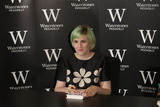 Lena Dunham Photo - Lena Dunham signs copies of her book Not That Kind of Girl at Waterstones London 29102014 Picture by James Smith  Featureflash
