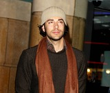Zach Levi Photo - London UK Zach Levi at the UK Premiere of The Bucket List at the Vue West End Central London23 January 2008Ali KadinskyLandmark Media
