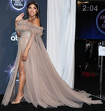 Toni Braxton Photo - LOS ANGELES CALIFORNIA USA - NOVEMBER 24 Singer Toni Braxton poses in the press room at the 2019 American Music Awards held at Microsoft Theatre LA Live on November 24 2019 in Los Angeles California United States (Photo by Xavier CollinImage Press Agency)