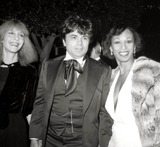 Altovise Davis Photo - Robert Blake and Wife Sondra with Altovise Davis (Rt) Academy Awards 1978 Photo Nate CutlerGlobe Photos Inc