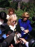 Sondra Locke Photo - Sondra Locke (Sondra Locke Vs Clint Eastwood Trial in Burbank CA ) Photo Fitzroy BarrettGlobe Photos Inc