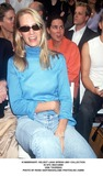 Helmut Lang Photo -  Helmut Lang Spring 2001 Collection in NYC 09212000 Uma Thurman Photo by Rose HartmanGlobe Photosinc