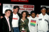 Annabella Sciorra Photo - Sd1114 Russell Simmons and Bruce Willis Present Recording Studio to Nyc-based Youth Outreach Group Art Start Photojohn BarrettGlobe Photos Inc 2002 Bruce Willis Annabella Sciorra with Russell Simmons and Kids From Art Start Out Reach Program