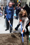 Mayor Bloomberg Photo - Tyra Banks Donates Trees to the Citytyra and Mayor Bloomberg Plants One of the Trees at 18st and 9ave Date 04-09-08 Photos by John Barrett-Globe Photosinc Tyra Banksmayor Bloomberg