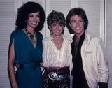 Andy Gibb Photo - Andy Gibb Marilyn Mccoo Olivia Newton John 1981 E2579c Supplied by Globe Photos Inc