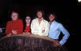 Bee Gees Photo - Bee Gees with Sister Lesie Photo by Globe Photos Inc Mauricegibbretro