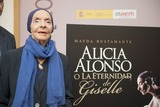 Alicia Alonso Photo - SEVILLE SPAIN November 4 Alicia Alonso attends the presentation of the book -Alicia Alonso or eternity of Giselle- of the writer Giselle Mayda Bustamante in the theater La Maestranza in Seville Spain